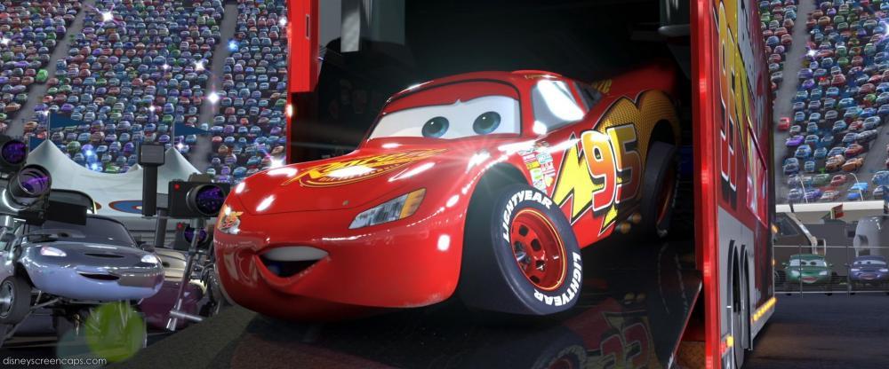 Lightning McQueen - tay đua số 1 trong phim hoạt hình Cars